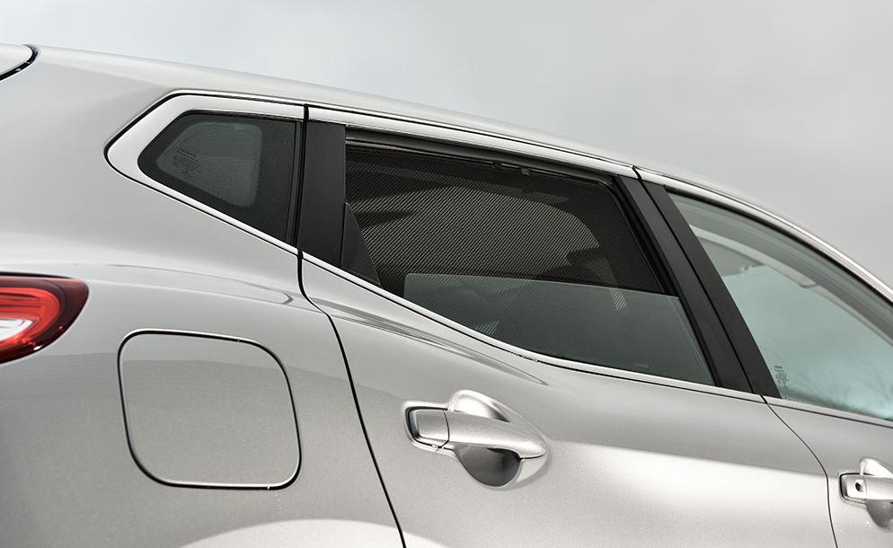 CarShades-häikäisysuojat toimivat myös hyönteisverkkona.