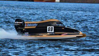 Sami Reinikainen ratamoottoriveneilyn maailmanmestaruuteen