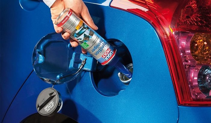 Ruiskutusjärjestelmän puhdistusaine poistaa kerrostumat ja parantaa moottorin toimintaa