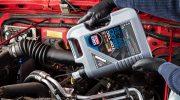 Moottoriöljy: Mineraali, synteettinen vai täyssynteettinen?