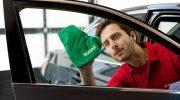 Syysaurinko häikäisee kuljettajaa, puhdista siis ikkunat