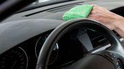 Puhdista auton sisätilat perusteellisesti